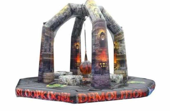 Demolition pomppulinna