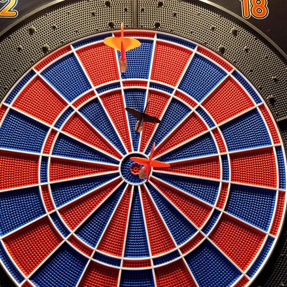 Cyber Darts – elektroninen tikkapeli