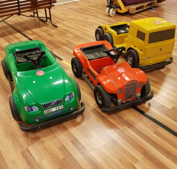 Mazda-akkuauto lapsille